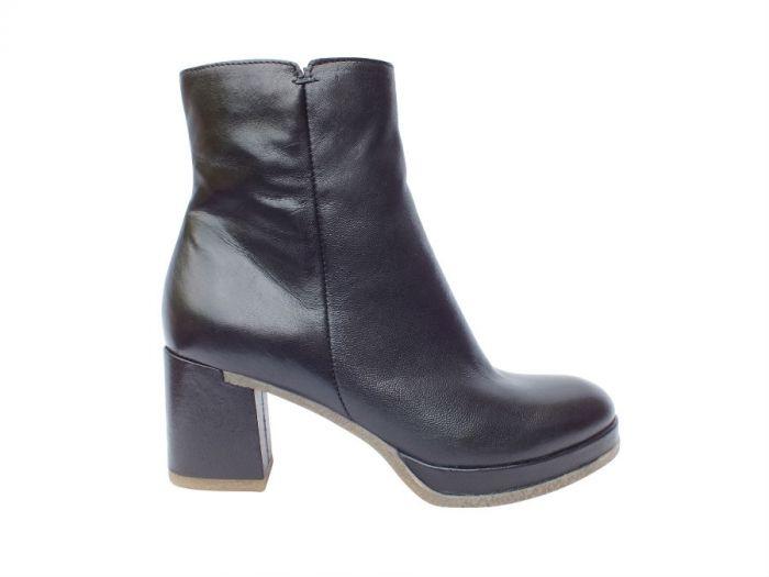 Klassisk sort MJUS støvle 253204